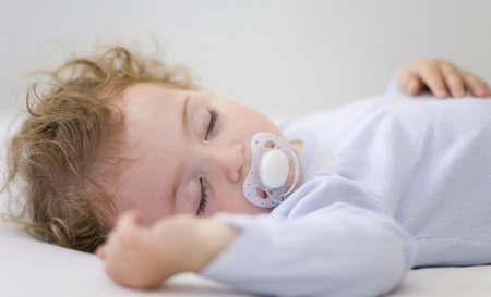 Что можно дать ребенку чтоб он спал
