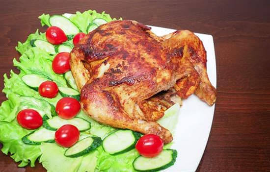 Курица целиком в мультиварке с хрустящей корочкой