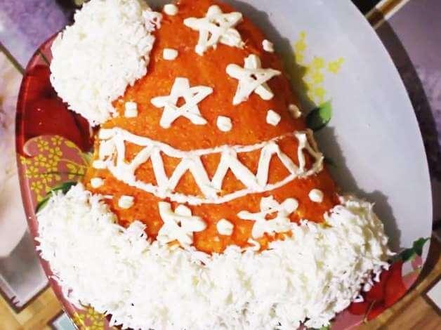 салат на новый год шапка деде мороза